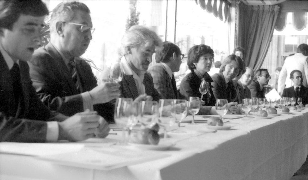 跟着纪录片领略葡萄酒的魅力